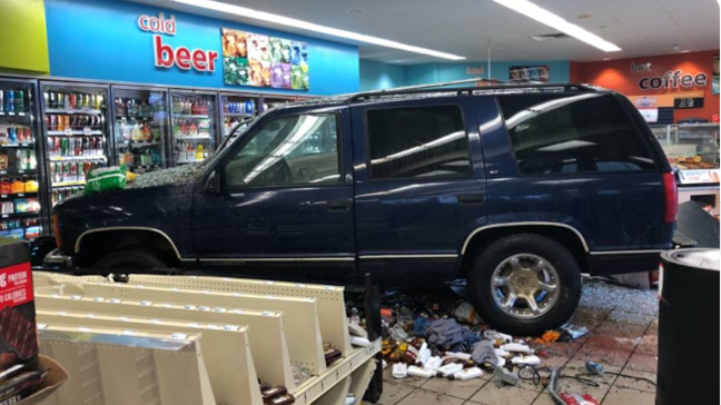 Man crashes into Osage Beach Hy-Vee gas station | KRCG